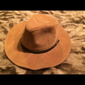 NWT faux suede hat